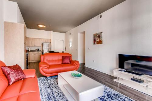 Huge 2 Bedroom in Center of Gaslamp District - San Diego, CA 92101