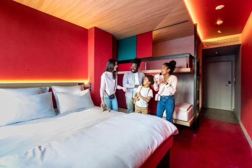 yooma urban lodge hotel review paris france telegraph. Black Bedroom Furniture Sets. Home Design Ideas