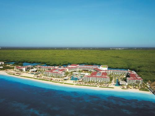 Breathless Riviera Cancun Resort & Spa Photo