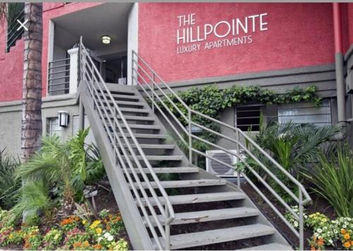 The Hillpointe Apartment - Los Angeles, CA 90068