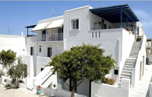 Ampeli Rooms - Parikia Greece