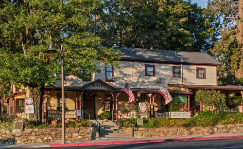 Julian Gold Rush Hotel - Julian, CA 92036