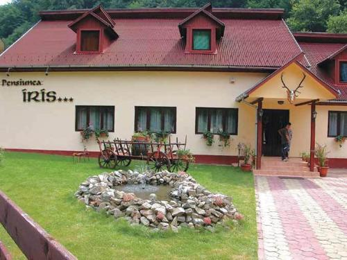 http://www.booking.com/hotel/ro/iris-pension.html?aid=1728672