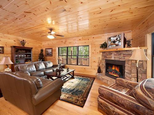 A Smoky Hideaway- Five-Bedroom Cabin