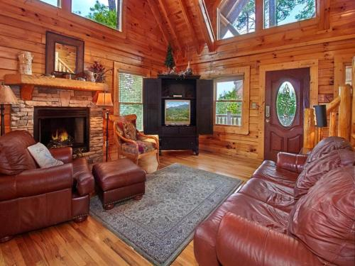 Bear Creek Lodge- Five-Bedroom Cabin