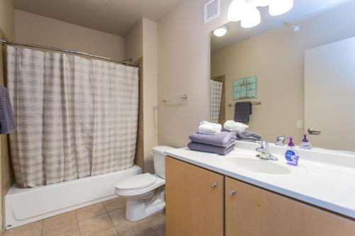 Hotel Iconic Lux 1br In Downtown Chicago thumb-2