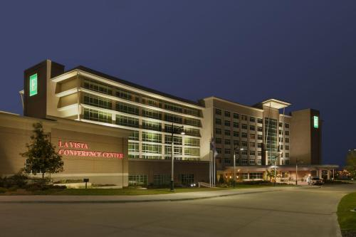 Embassy Suites Omaha- La Vista/ Hotel & Conference Center Photo