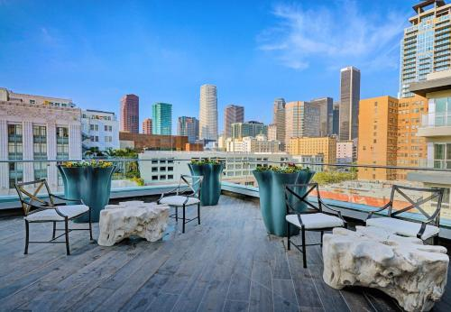 Epic Downtown Apartment - Los Angeles, CA 90017