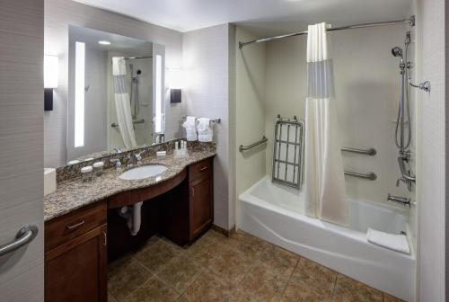 Homewood Suites By Hilton Denton - Denton, TX 76210