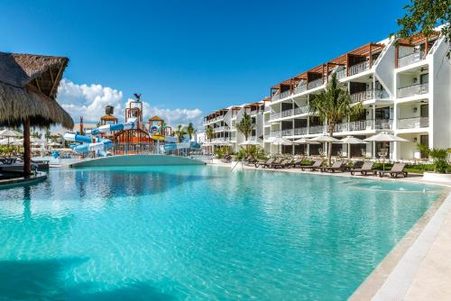 Ocean Riviera Paradise Eden by the Beach - All Inclusive Photo