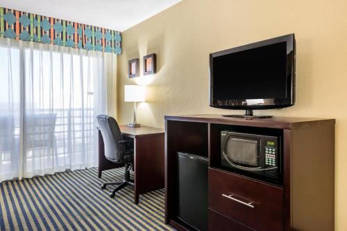 Comfort Inn Orlando - Lake Buena Vista Photo