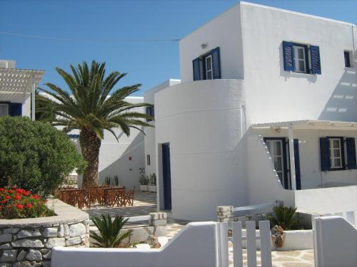 Nicos Studios & Apartments - Logaras Greece