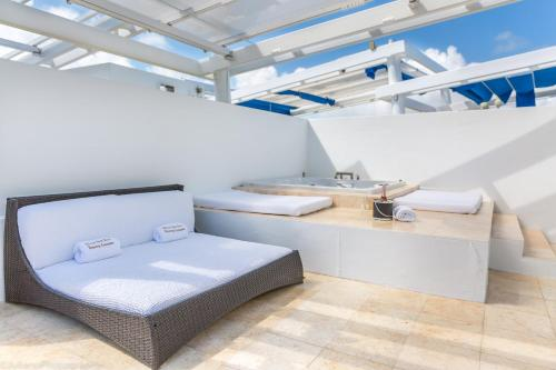 SBV Luxury Ocean Hotel Suites Photo