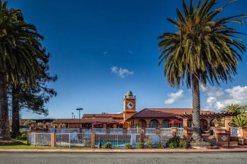 BEST WESTERN PLUS El Rancho Inn Photo