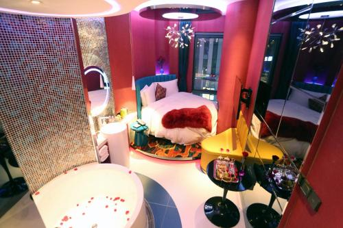 90 Qing She Boutique Hotel Sanlitun Branch photo 2
