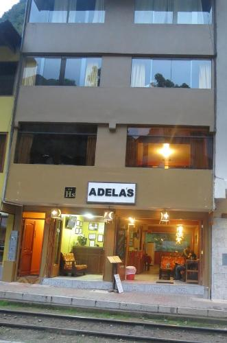 Adelas Hostal Photo