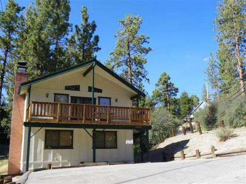 Carder Chalet by Big Bear Cool Cabins - Big Bear Lake, CA 92315