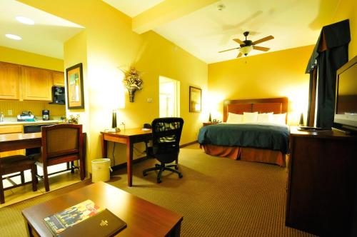 Homewood Suites By Hilton Fayetteville - Fayetteville, AR 72704