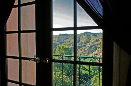 Topanga Canyon Inn Bed and Breakfast Photo
