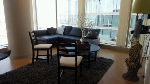 Luxury Two Bedroom Suite With Panoramic Views In Los Angeles CA Free Inter