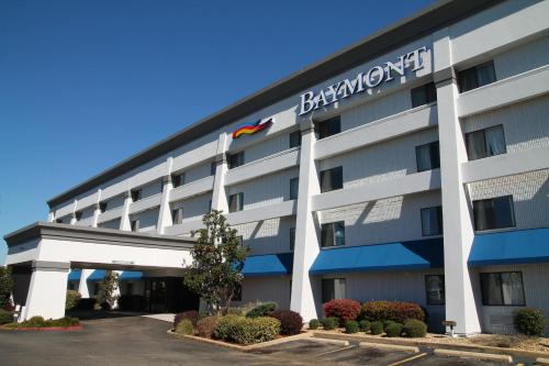 Baymont Inn & Suites Texarkana Photo