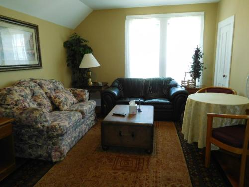 The Chattel Flat, Duplex at Saint Ignace Photo