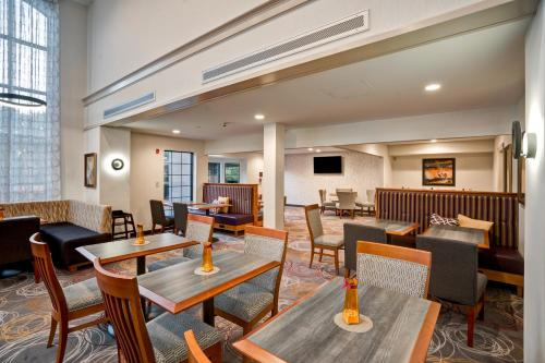Homewood Suites by Hilton Eatontown Photo