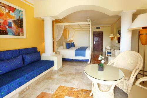 Luxury Bahia Principe Akumal - All Inclusive Photo