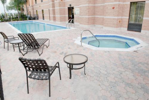 Hampton Inn & Suites Orlando-South Lake Buena Vista Photo