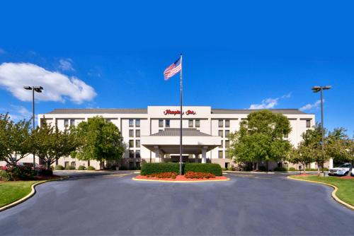 Hampton Inn Salisbury Photo