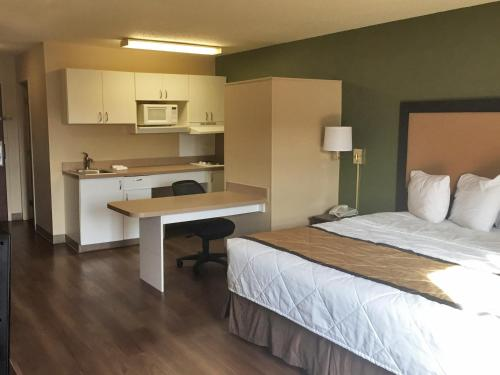 Extended Stay America - Downers Grove Photo
