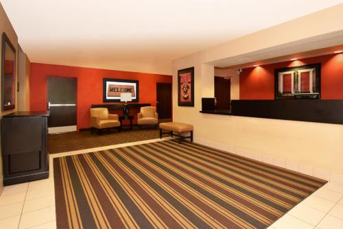 Extended Stay America - Chicago - Naperville - West - Naperville, IL 60563