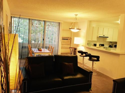 1145 Barry Ave. #206 - Los Angeles, CA 90049