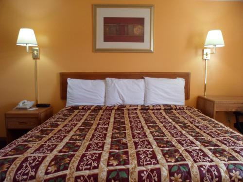 Rodeway Inn & Suites Austin Photo
