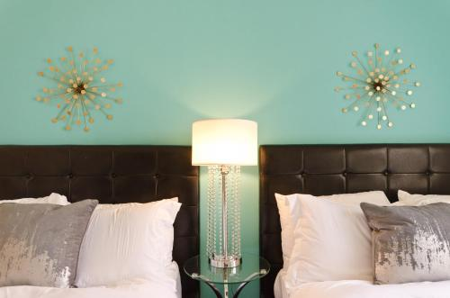 Popular Downtown LA Venetian Resort Style Suite - Los Angeles, CA 90012