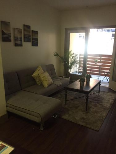 Hollywood Oasis Apartment - Los Angeles, CA 90028