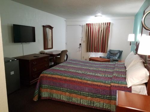 Americas Best Value Inn-Indy South photo 6