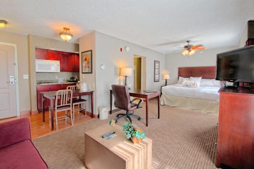 Homewood Suites by Hilton Bloomington Photo