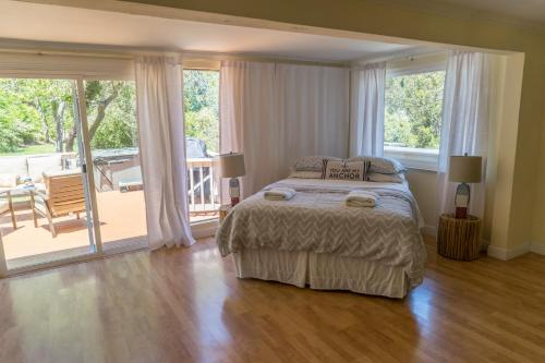 Grand House with a view - Pacifica, CA 94044