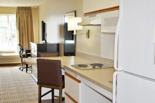 Extended Stay America - Kansas City - Country Club Plaza Photo