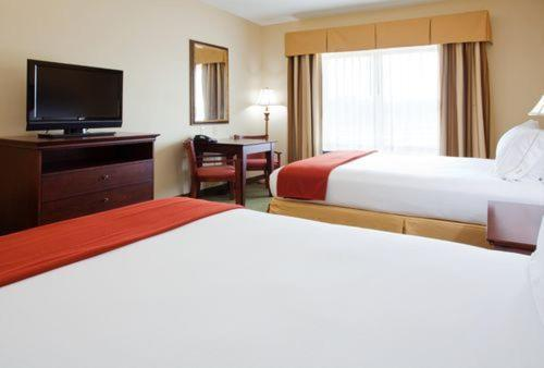 Holiday Inn Express Hotel & Suites Lexington North West-The Vineyard Photo