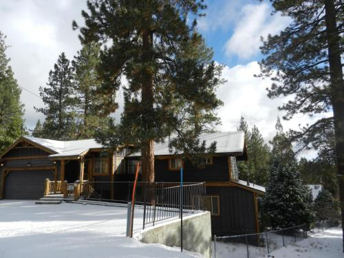 Big Bear Getaway - Big Bear Lake, CA 92315