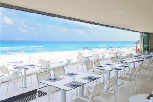 Sandos Cancun Lifestyle Resort Photo