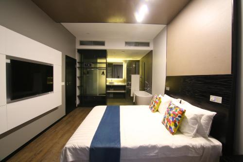 HotelRoom50Two