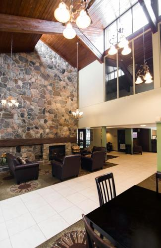 Best Western Plus Dryden Hotel and Conference Centre Photo