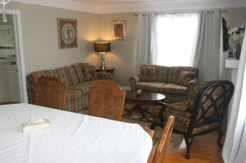Niagara Classic Inn Photo