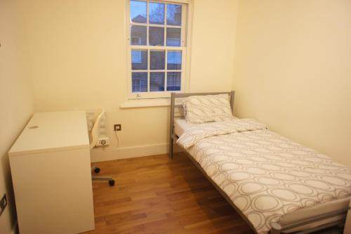 Cosy 4 Double Bedrooms Apartment photo 12