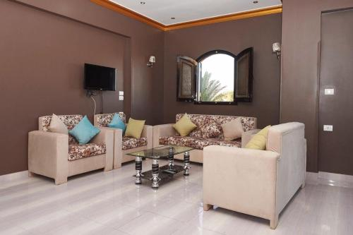 Two Bedroom Apartment at Memnon Street West Bank, Luxor