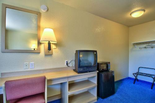 Motel 6 Nogales Photo