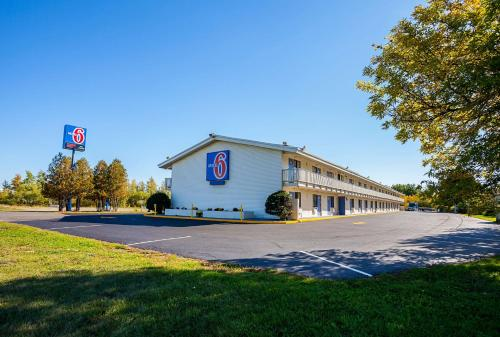 Motel 6 Bangor Photo